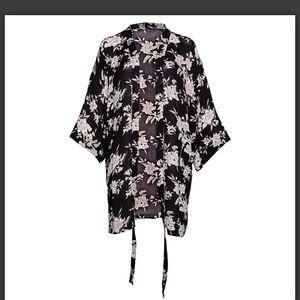 FABFITFUN Summer 2019 Spiritual Gangster Kimono